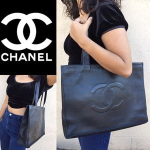 ❤️JUMBO CHANEL CAVIAR TOTE AND WALLET
